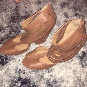 Fringe illusion heels